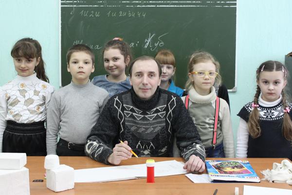 Учитель художественного отделения Мастич Александр Николаевич